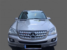 Auto Mercedes - Benz ML350