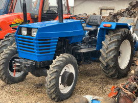 Tractor Universal 533 DTC