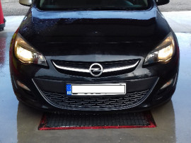 Opel Astra J 2013 hatchback 2.0 / 165cp