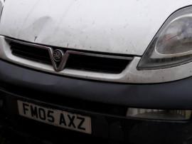 Decupaje caroserie elemente de caroserie Opel Vivaro 1.9 200