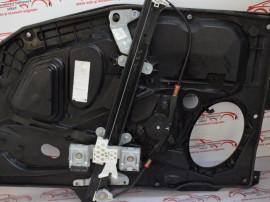 Macara usa fata stanga Ford Fiesta 2003 426