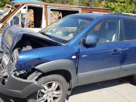 Hyundai Tucson 2008, 2.0 l, benzina, 4X4, avariat