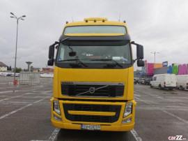 Autotractor marca Volvo