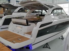 Barca Jeanneau Leader33 cu Volvo Diesel Joystick 2x220CP