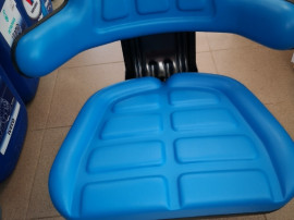 Scaun tractor utilaje cu suspensie mecanica (arcuri) robust