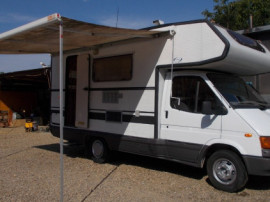 Autorulota ford caravan