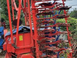 Semanatoare Vicon de 6 metri pe discuri cu buncar de 1500 kg
