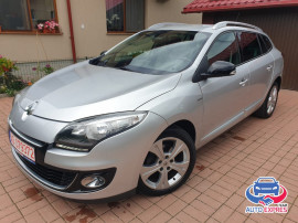 Renault Megane III 1.5 dCi BOSE / 2013 / Clima / Navi / Rate
