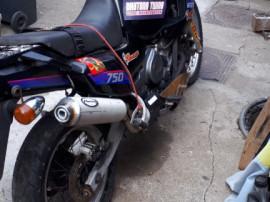Yamaha supertenere750