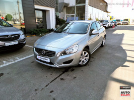 VOLVO S60 2.0 D3 Kinetic 136CP