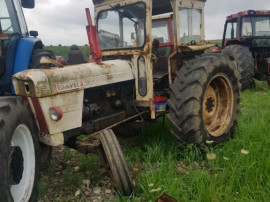 Dezmembrez Tractor David Brown 990