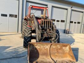Tractor 4x4 Fiat 140 90 cu incarcator joistic cupa