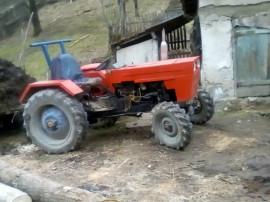 Tractor u445 dt