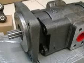 Pompa hidraulica buldoexcavator Case 580 K si Case 58SK
