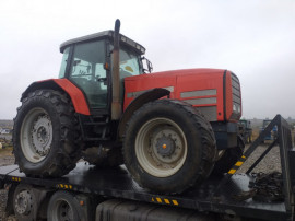 Dezmembrez Tractor Massey Ferguson L160