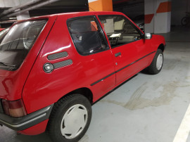 Masina Istorica Peugeot 205