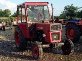 Tractor 445 fabricatie Brasov
