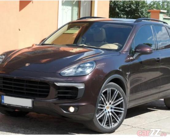 """Porsche Cayenne SUV 2017 / 110882 km Porsche Cayenne SUV 2017 / 110882 km 2017  adusă recent din Germania, se pot verifica accidentele și km mașinii (apăsând butonul """"Verifică""""), cutie de viteză Automata, Euro 6. Oferit de Companie."""
